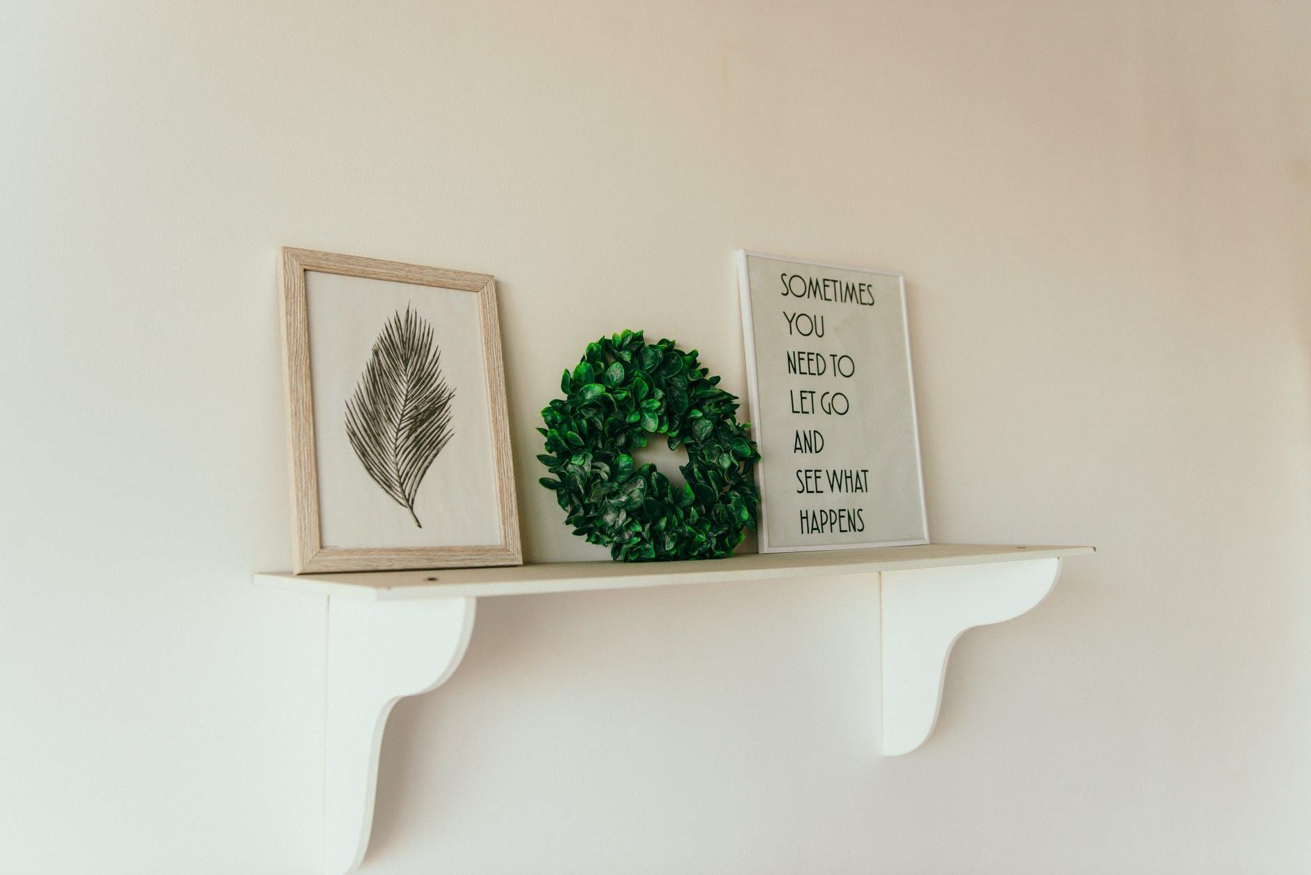 green leafed wreath